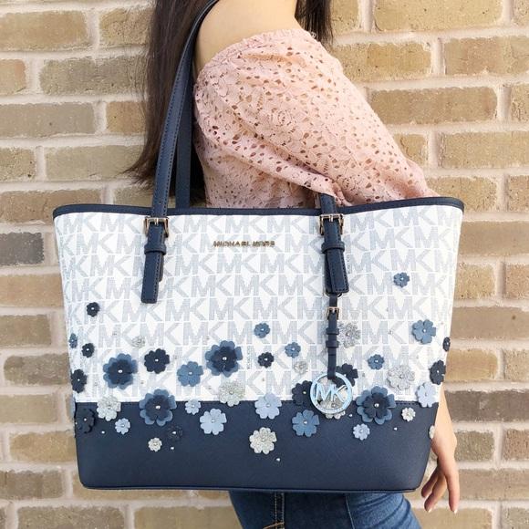89c8c05a145c Michael Kors Carryall Tote Blue Floral MK